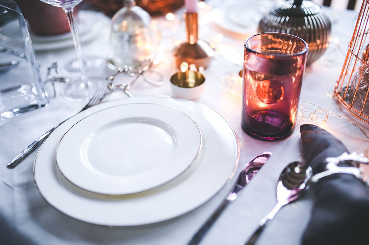 couple-dining-shutterstock_120679105