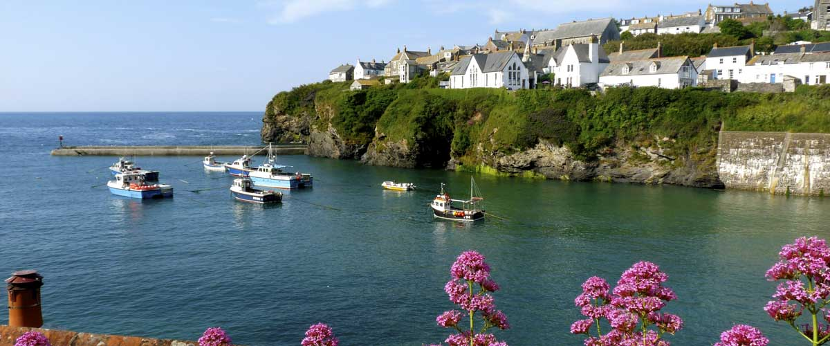 Wondrous A Selection Of Holiday Cottages In Port Isaac And Nearby Interior Design Ideas Inesswwsoteloinfo
